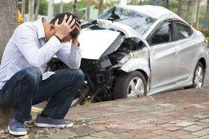 ¿Es más barato contratar un seguro con una aseguradora o a través de un mediador?