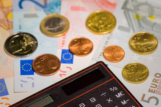 El Consejo General denuncia la presión de las entidades bancarias a través del aumento de comisiones
